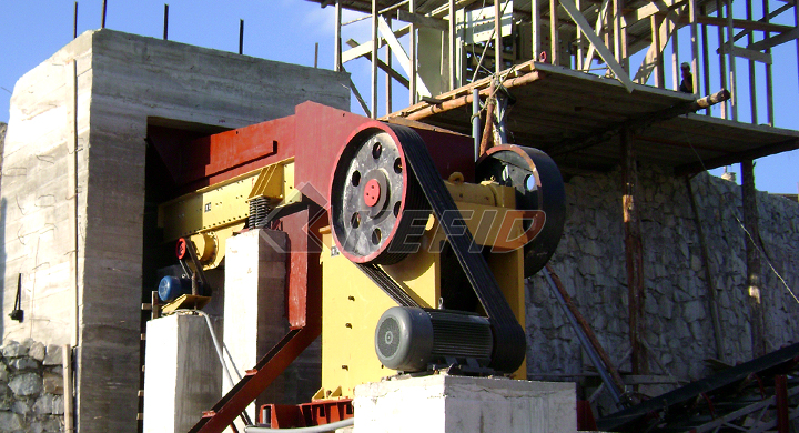 Kefid 100-150tph riverstone crushing line in Algeria